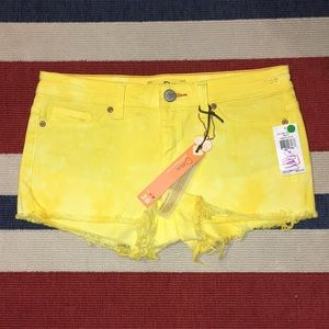 DittosPineapple tie dye Yellow Shorts SZ 28